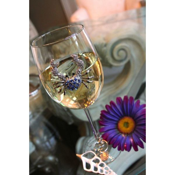 Blue crab jeweled wine glass