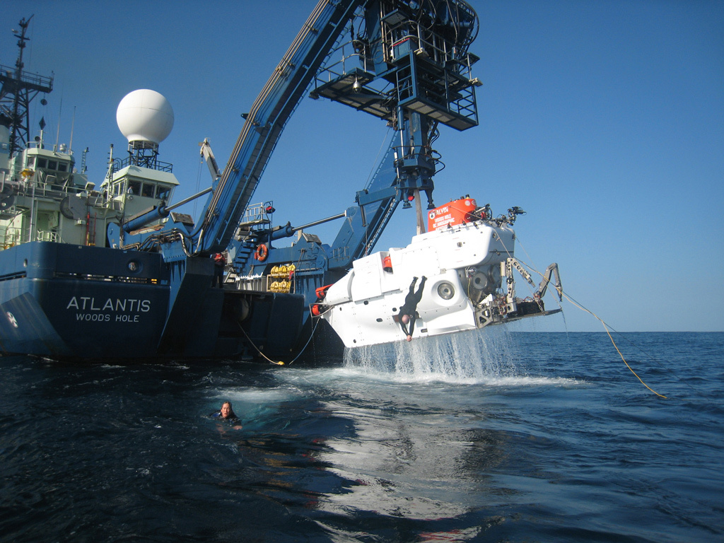 R/V Atlantis with Alvin submersible